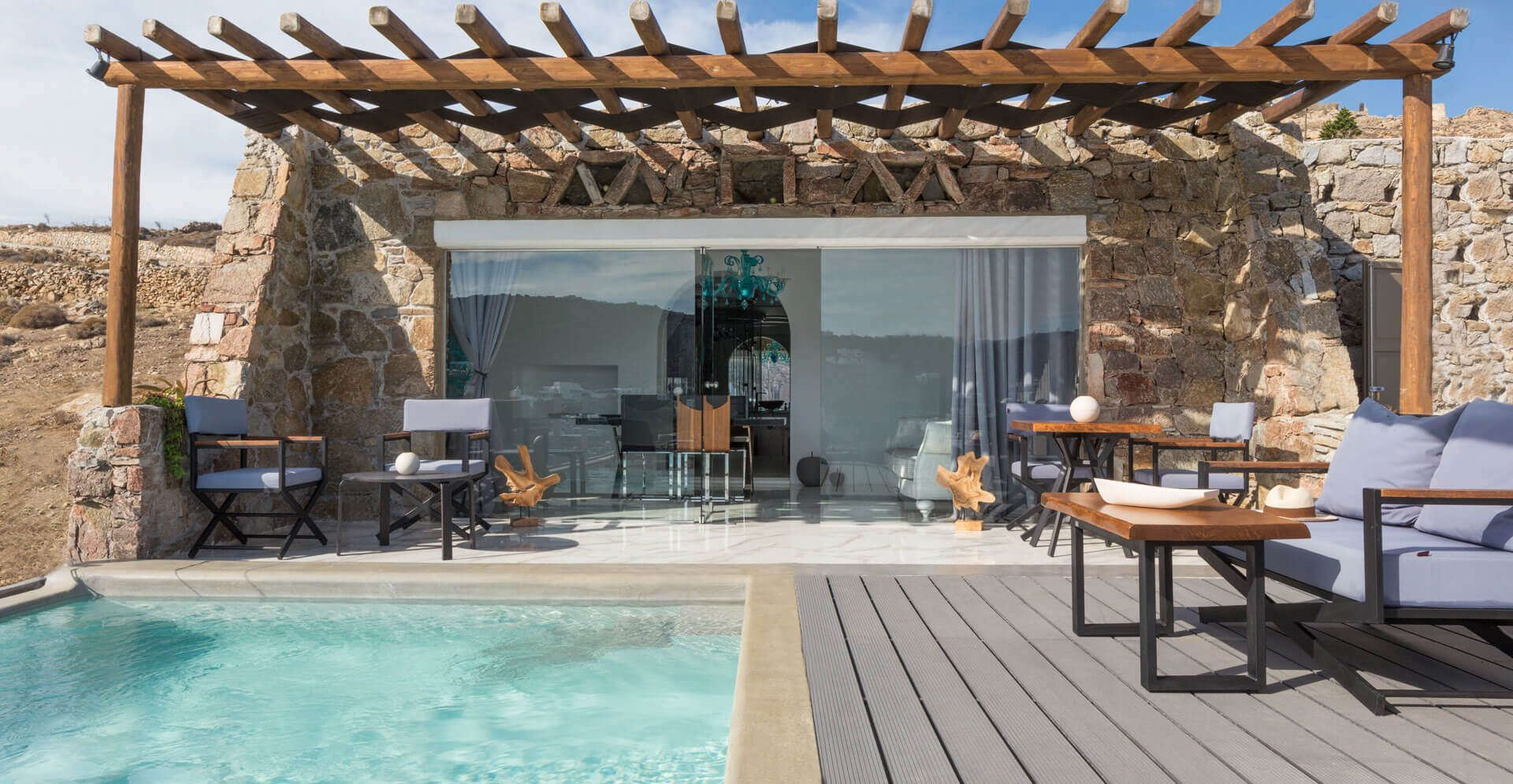 DELUXE-SUITE-SEA-VIEW-WITH-PRIVATE-POOL_2