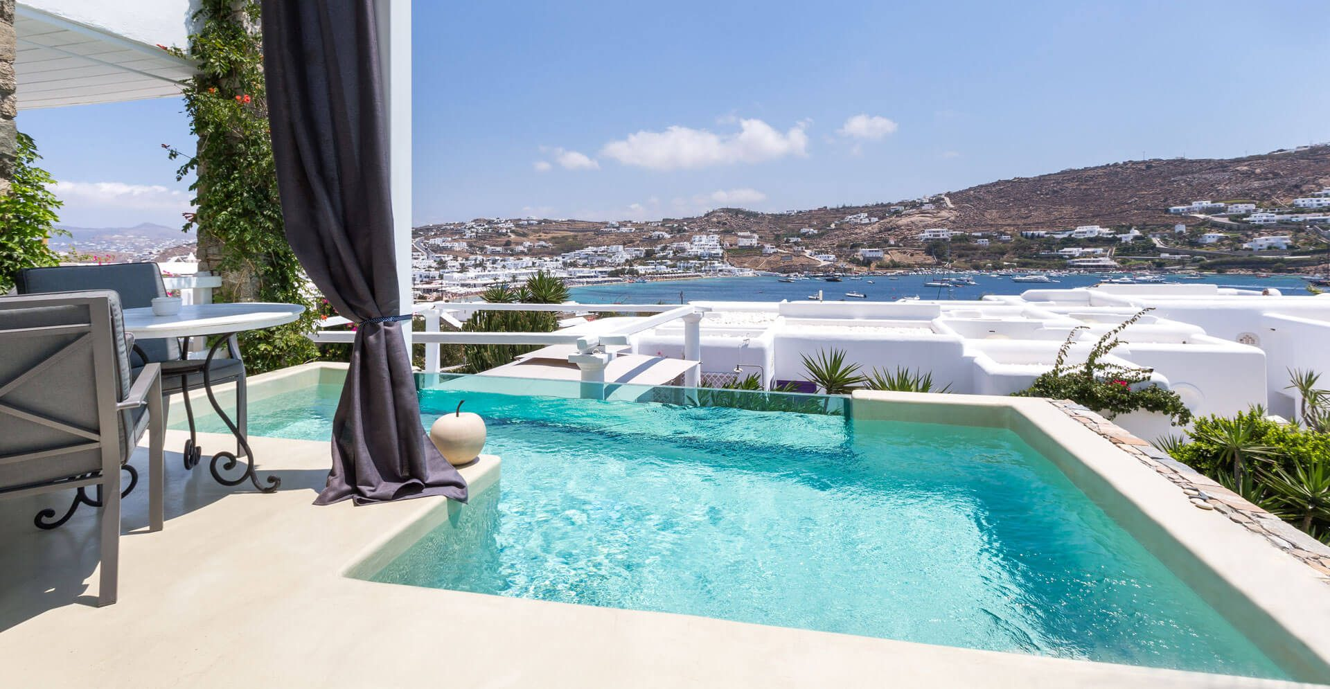 SUITE-WITH-PRIVATE-POOL_1